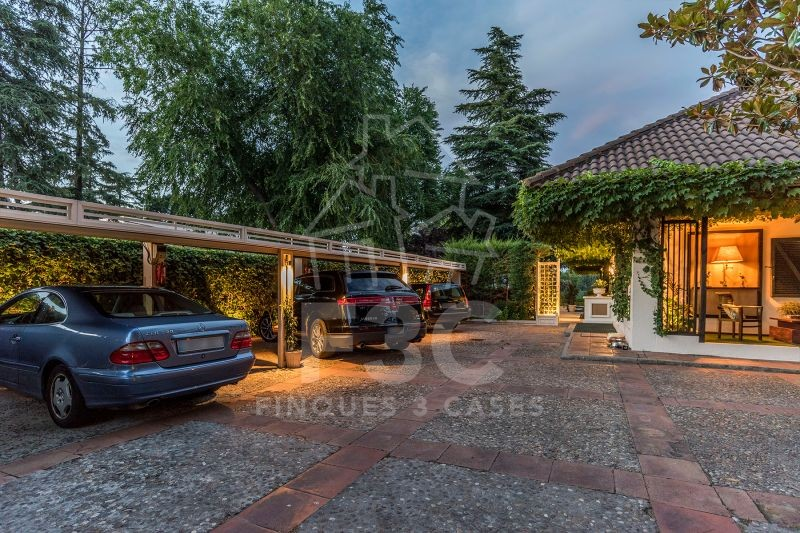 Magnificent and elegant house for sale in Madrid